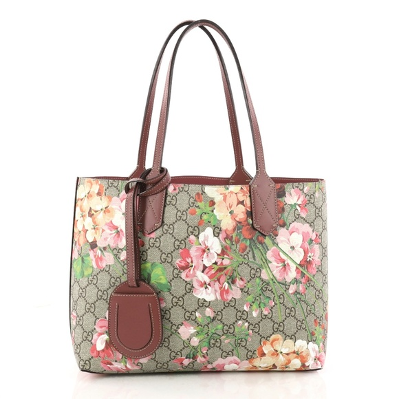 501800dda44 Gucci Handbags - Gucci Reversible Tote Blooms GG Print Leather